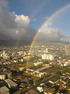 サロンから見えた2つの虹